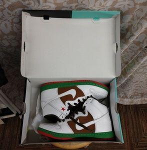 Nike California High Dunk Premium SB Shoes